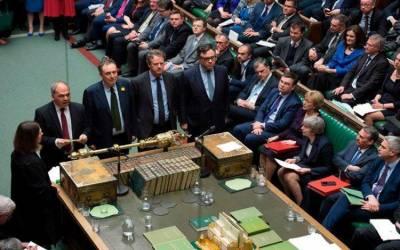 پارلیمنٹ میں منظور ہونے والے نئے قانون کے تحت وزیراعظم بغیر ڈیل کے یورپ سے انخلا کا فیصلہ نہیں کرسکیں گی
