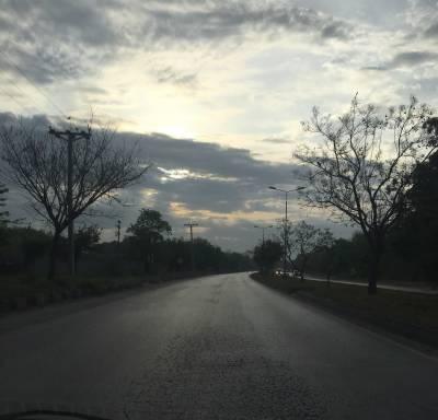 ملک کے بیشترعلاقوں میں بارش، پہاڑوں پر ژالہ باری کا امکان:محکمہ موسمیات