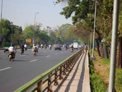 پنجاب سیف سٹیز اتھارٹی کا شاہراوں پر موٹرسائیکل اور بس کیلئے الگ لین بنانے کا فیصلہ