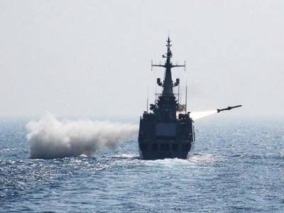 پاکستان کا سمندر سے سمندر اور زمین پر ہدف بنانے والے میزائل کا کامیاب تجربہ