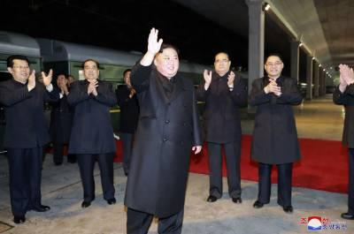 شمالی کوریا کے رہنما کِم جانگ اُن روس روانہ