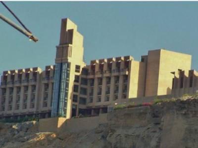 گوادر میں فائیو اسٹار ہوٹل پر تین دہشت گردوں کا حملہ، سیکیورٹی گارڈ شہید، تینوں دہشت گردوں کو ہلاک کردیا گیا