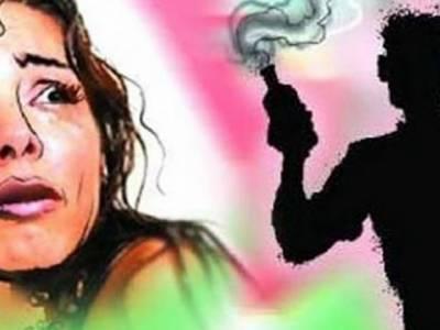 ڈنگہ میں22 سالہ ماریہ کو تیزاب ڈال کر اس کا پورا چہرہ بگاڑ دیا تھا ,دو سال تک اس کو خفیہ جگہ پر رکھا ,ماں باپ کو ملنے کی اجازت نہ دی