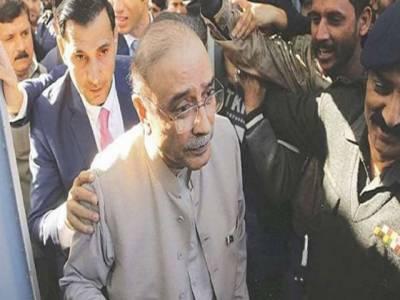 سلیکٹڈ وزیراعظم کو کچھ نہیں پتہ، سب وزیر داخلہ کروا رہا ہے: آصف زرداری