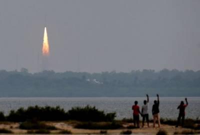بھارت کا آئندہ ماہ چاند پر خلائی مشن بھیجنے کا اعلان
