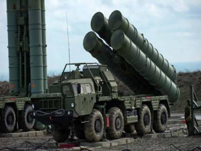 روس سے 'ایس 400' دفاعی نظام خریدنے پر امریکی کانگرس ترکی پر سخت بَرہم
