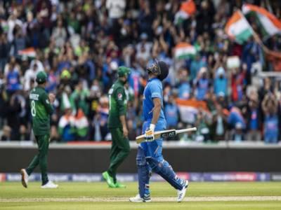 ورلڈ کپ کا بڑا ٹاکرا: پاکستان کو جیت کیلئے 337 کا بڑا ٹارگٹ