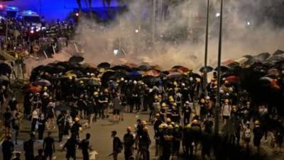 ہانگ کانگ:مظاہرین کا پارلیمنٹ کا دھاوا