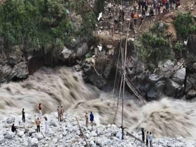 چترال: گولین میں گلیشیئر پھٹنے کے بعد سیلاب، ہزاروں افراد متاثر,45 افراد کو بحفاظت نکال لیا گیا