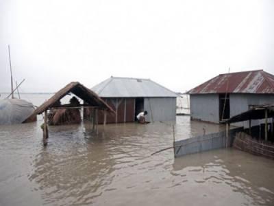 جنوبی ایشیا میں سیلاب سے ہلاکتوں کی تعداد 100 , لاکھوں افراد بے گھر
