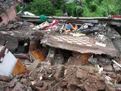 لاہور میں گھر کی چھت گرنے سے 7 افراد جاں بحق