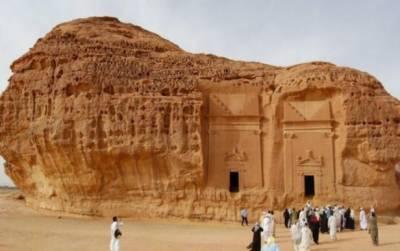 سعودی حکومت نے عمرہ زائرین کو مکہ اور مدینہ سے باہر جانے کی اجازت دےدی