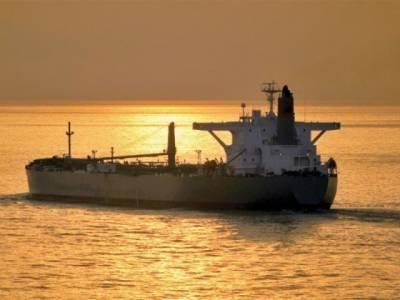 सऊदी अरब से उधार तेल की फ़राहमी का आग़ाज़, पहला बहरी जहाज़ कराची पहुंच गया
