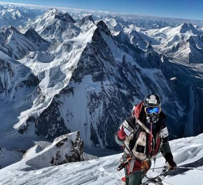 7 کوہ پیمائوں نے بغیر اضافی آکسیجن K2 کوسر کر لیا