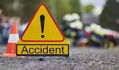 شاہ کوٹ کے قریب آئل ٹینکر اور بس میں تصادم، 3 افراد جاں بحق، 14 زخمی