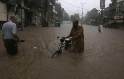 لاہور سمیت پنجاب کے مختلف علاقوں میں موسلادھار بارش