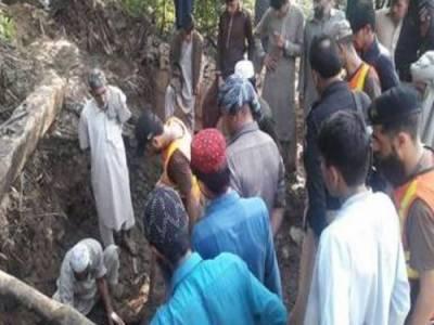 گلگت:مٹی کا تودہ گرنے سے ملبے تلے دب کر3 افراد جاں بحق، 55 زخمی