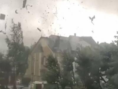 لکسمبرگ : طوفانی بگولے نے تباہی مچا دی ،7 افراد زخمی
