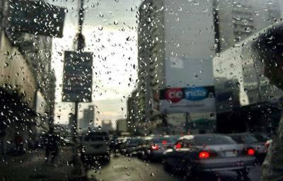 کراچی کے مختلف علاقوں میں بوندا باندی، موسم خوشگوار