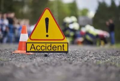شکارپور:مسافر کوچ اور ٹرک میں تصادم،3 افراد جاں بحق, 15 زخمی