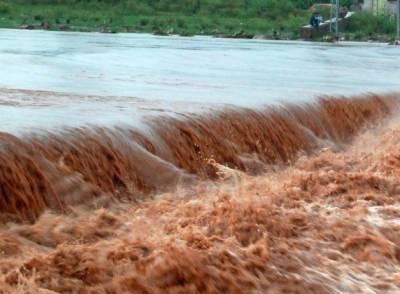 منچن آباد کے قریب دریائے ستلج میں پانی کی سطح بلند,حفاظتی بند ٹوٹ گیا,بستیوں میں پانی داخل