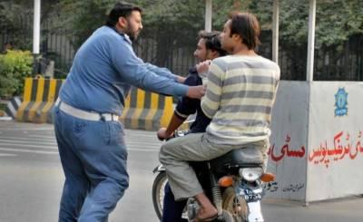 کراچی سمیت سندھ بھرمیں 9 اور10 محرم کو ڈبل سواری پر پابندی عائد