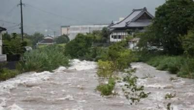 جاپان کے جنوبی حصے میں ریکارڈ بارشیں اور سیلاب، کم از کم 2 شہری ہلاک، الرٹ جاری