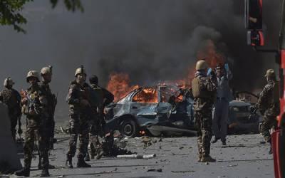 کابل:افغانستان کےجنوبی شہرقلات میں کاربم دھماکا،10افرادجاں بحق