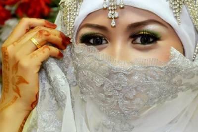 انڈونیشیا میں لڑکیوں کی شادی کی کم از کم قانونی عمر حد 19برس مقرر