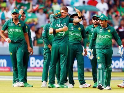 سری لنکا کیخلاف سیریز قومی ٹیم کا اعلان،عمر اکمل اور احمد شہزاد جگہ بنانے میں ناکام