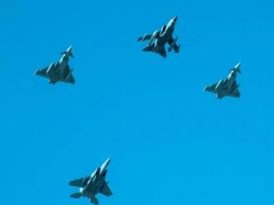 سعودی عرب کے قومی دن پرفضائیہ کے جنگی طیاروں کے فضا میں کرتب
