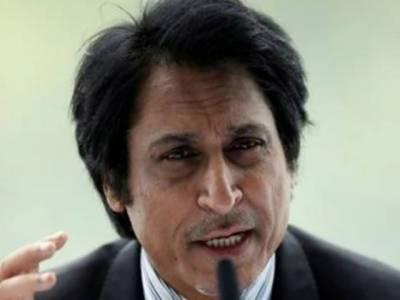 وقت آگیا کہ پاکستانی کھلاڑی دفاعی سوچ سے نکل کر بے خوف کرکٹ کھیلیں: رمیز راجہ