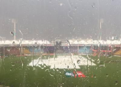 پاکستان اورسری لنکا کے درمیان پہلا میچ بارش کے باعث تاخیر کا شکار
