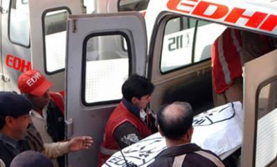 کراچی میں سپر ہائی وے پر ٹریفک حادثے میں 3 افراد جاں بحق، 2 زخمی