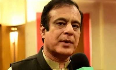 مولانا فضل الرحمان مذہب کو بیچ رہے ہیں اور مذہب کو سیاست میں استعمال کررہے ہیں: شبلی فراز