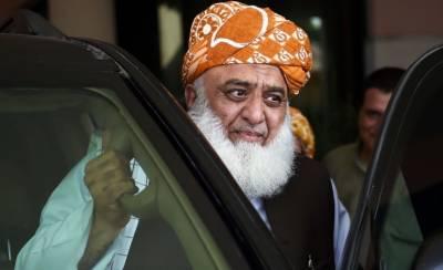 علی امین گنڈا پورنے مولانا فضل الرحمن کو قانونی نوٹس بھجوا دیا