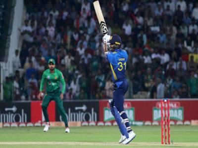 تیسرا ٹی ٹونٹی: سری لنکا کا پاکستان کو جیت کے لیے رنز 148 کا ہدف ،پاکستان کی بیٹنگ جاری