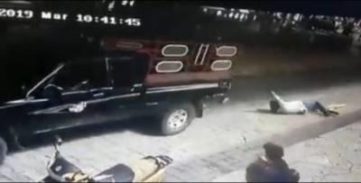 میکسیکو:وعدے پورے نہ کرنے پر میئر کو گاڑی میں باندھ کر شہر میں گھمایا گیا