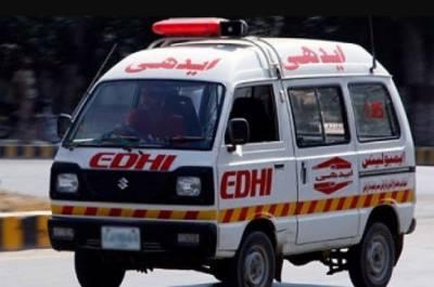 شہرقائد میں سپرہائی وے کے قریب ٹرالر اور کار میں ٹکر, 2 افراد جاں بحق,2 زخمی