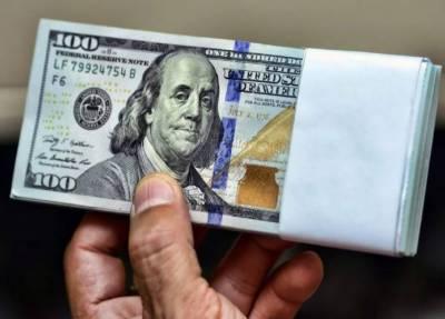 ڈالر کی چوری چھپے بیرون ملک منتقلی پر دہشتگری کے مقدمات درج کرنے کا فیصلہ