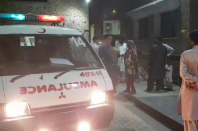 نوشہرو فیروز کے قریب زائرین کی بس الٹ گئی، 5 افراد جاں بحق، 20 سے زائد زخمی
