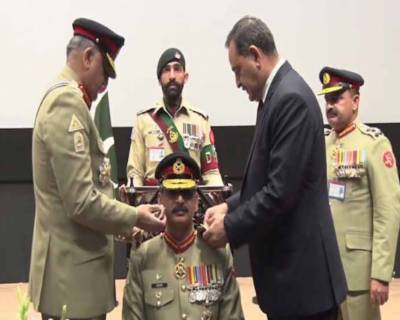 آرمی چیف جنرل قمر جاوید باجوہ کا بلوچ رجمنٹ سینٹر ایبٹ آباد کا دورہ، امن و امان کیلئے بلوچ رجمنٹ کی کارکردگی کو سراہا