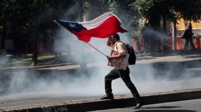 چلی کے دارالحکومت میں مظاہرین اور سیکورٹی فورسز میں جھڑپیں