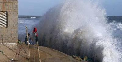 کراچی: سمندری طوفان''کیار''کی شدت میں اضافہ