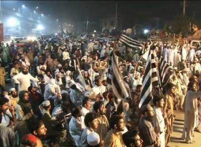 اپوزیشن کا آزادی مارچ کراچی اور ملتان سے ہوتا ہوا لاہور پہنچ گیا، شاندار استقبال