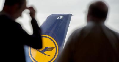 جرمن فضائی کمپنی لفتھانزا کا کیبن سٹاف ہڑتال پر، تیرہ سو مسافر پروازیں منسوخ