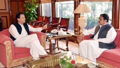 وزیراعظم سے وزیراعلی پنجاب کی ملاقات,سیاسی صورتحال پر تبادلہ خیال