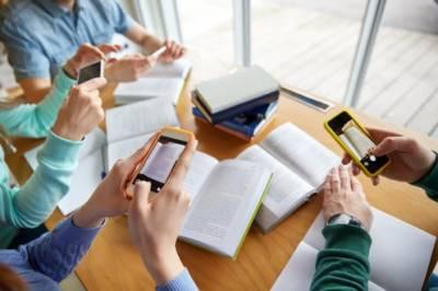 تعلیمی اداروں میں سوشل میڈیا کے استعمال پر پابندی