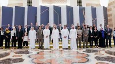 متحدہ عرب امارات کا ڈھائی ہزار غیر ملکیوں کو مستقل رہائش دینے کا اعلان