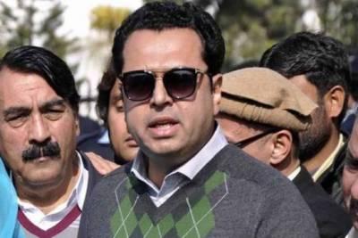 فواد چوہدری پہلے اپنا سیکیورٹی بانڈ دیں:طلال چوہدری